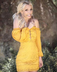 """Britney Spears is rumored to be releasing a comeback single, """"My Own Way,"""" as a nod to her conservatorship and the Free Britney movement. Britney Spears Pictures, Baby One More Time, Britney Jean, Celebs, Celebrities, Skin Tight, Elvis Presley, Marilyn Monroe, Cold Shoulder Dress"""