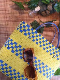 SOIE   Asesoría de Imagen   Collares   Colombia - Tienda Online   Zuncho Bag Yellow & Blue @soie_co SOI•È SOIE #soieauthenticfashion Wayfarer, Yellow, Blue, Collars, Sunglasses Case, Pita, Style, Knit Basket, Needlepoint