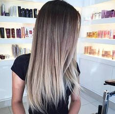 ▷ 1001 + ombre hair ideas for a cool and fun summer look Brown Hair Balayage, Hair Color Balayage, Hair Highlights, Baylage Ombre, Brown To Blonde Ombre Hair, Gatsby Hair, Ombré Hair, Ombre Hair Color, Brunette Hair