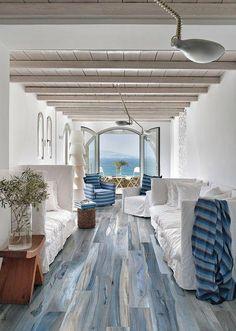 A Modern Tropical Retreat Epitomizes Coastal Chic Beach