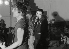 The Damned, Anarchy Tour, Leeds - Brian James, Dave Vanian and Captain Sensible. Country Girl Quotes, Country Songs, Girl Sayings, The Damned Band, Little England, Ray Stevenson, Goth Bands, Joe Strummer, Pin Up Outfits