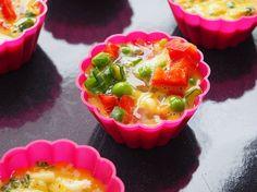 Mini omlete la cuptor in 4 feluri Ricotta, Broccoli, Pudding, Mini, Desserts, Tailgate Desserts, Deserts, Custard Pudding, Puddings