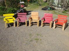 Cute Kids Armchairs Project With Recycled Pallets Colored garden (or other) armchairs for kids made from repurposed wooden pallets. Pallet Kids, Pallet Barn, Pallet House, Barn Wood, Pallet Chair, Diy Pallet Furniture, Outdoor Furniture Sets, Outdoor Decor, Pallet Benches