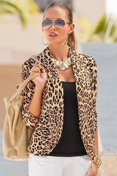 Amazing blazer - Outfits for Work Leopard Print Outfits, Animal Print Outfits, Animal Print Fashion, Fashion Prints, Animal Prints, Leopard Clothes, Cheetah Print Shirts, Leopard Blazer, Leopard Print Cardigan