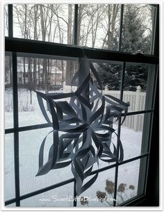 3D Paper Snowflake - Easy DIY winter craft & decor | sweetlittlebluebird.com