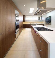 Casa de Tierra Apisonada / Kendle Design
