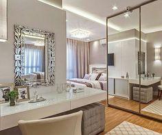 """396 curtidas, 9 comentários - Interiores e Arquitetura (@interioresinspira) no Instagram: """" Um bom dia com essa inspiração de quarto de casal Ambiente em tons neutros e muito espelho,…"""""""