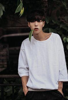 Korean Ulzzang Boys - Models male Style/Trends/Look Hair cut and Beautiful Boys, Pretty Boys, Cute Boys, Cute Korean, Korean Men, Asian Boys, Asian Men, Look Fashion, Korean Fashion