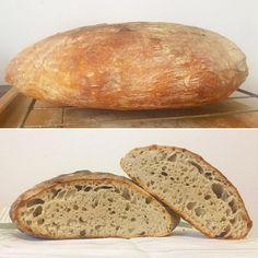 Tento recept ocení každý, ktorí má málo času ale chce piecť výborný kváskový chlieb. Na prípravu je naozaj nenáročný a výsledok je dokonalý. Bread Bun, Sourdough Bread, Yummy Food, Snacks, Homemade, Meals, Baking, Recipes, Basket