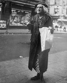 © Lisette Model, Lower East Side, New York, 1950 Diane Arbus, Lower East Side, Robert Doisneau, History Of Photography, Street Photography, Photography Rules, Documentary Photography, Portrait Photography, Promenade Des Anglais