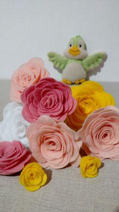 Flores e Passarinho em feltro