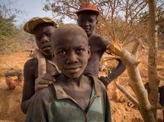 Child laborers at Bilbalé. Image by Larry C. Price. Burkina Faso, 2013. #pulitzercenter #childlabor #gold