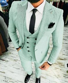 Worry no more my man! Because we've got the most Stylish Wedding Suit Styles For Nigerian Men which you could choose from the best naija men wedding suits styles of Indian Men Fashion, Mens Fashion Suits, Mens Suits, Suit For Men, Groomsmen Suits, Womens Fashion, Wedding Suit Styles, Wedding Suits, Blazer For Men Wedding