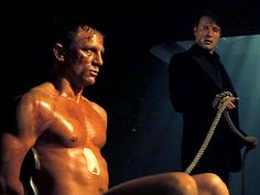 Daniel craig looks naked in this scene .but in making the scene from casino royale daniel wore under garments shown in behind the scenes commemtary James Bond Quotes, James Bond Movies, Craig Bond, Daniel Craig James Bond, George Lazenby, Bond Series, Timothy Dalton, Pierce Brosnan, Casino Royale