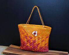 ditto Respect Images, Flax Weaving, Maori Designs, Maori Art, Kite, Wearable Art, Floral Arrangements, Straw Bag, Weave
