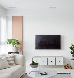 A row of Frame storage boxes under the TV give a light feel and a clean look in the livingroom. Beautiful nordic styling from the @nordicodesign showroom in Taiwan. Happy Friday! . #frame #bylassenframe #framebylassen #storagesolution #storage #bylassen #bylassenconceptstore #holbergsgade20 #copenhagen #interior #interiør #functionalism #design #interiordesigns #scandinaviandesign #danishdesign #nordicdesign #designclassic #apartmenttherapy #photooftheday #instadaily #picoftheday…