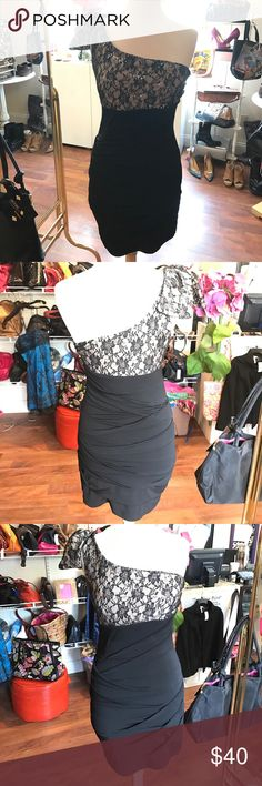 City triangles black/lace one shoulder dress Super cute city triangles black lace one shoulder dress size m City Triangles Dresses Prom