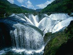 La cascade de Perles, Vallée de Jiuzhaigou, Chine