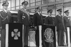 Jânio participa de evento em homenagem ao Dia do Soldado, em 25/08/61. Momentos depois, ele renunciaria à presidência, após sete meses de mandato