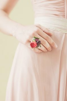 A corsage ring! Super smart idea for prom because it's cheaper and different!!! - protractedgarden