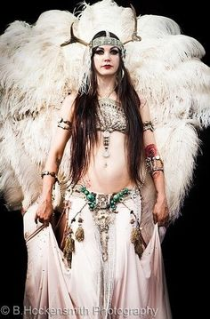 Zoe Jakes from Beats Antique~ The most amazing belly dancer around Tribal Fusion, Tribal Mode, Danza Tribal, Tribal Belly Dance, Zumba, Rachel Brice, Gypsy, Tribal Costume, Belly Dance Costumes
