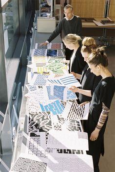 IKEA retro met AVSIKTLIG - In 1972 was het al zeer gewaagd en baanbrekend: de spectaculaire prints van het Zweedse designcollectief 10-gruppen. Nu zijn de retroprints misschien nog wel spectaculairder. Want IKEA en 10-gruppen hebben de handen ineengeslagen voor de AVSIKTLIG limited collectie.