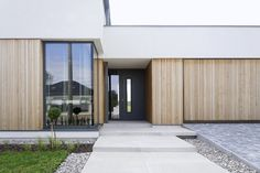 Nowoczesny 2 - DOMY Z WIZJĄ External Cladding, Tropical Houses, Simple House, Home Fashion, My House, Facade, Building A House, House Plans, Sweet Home