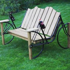 Very cool!!! #recyclage #design !! #bike #chair #velo #green #canape #coca #have a #break !! #loveit #leslilas #creation