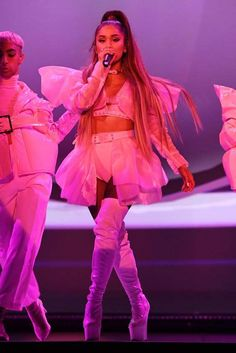 Ariana Grande performs onstage during the Sweetener World Tour -. - ALBANY, NEW YORK – MARCH Ariana Grande performs onstage during the Sweetener World Tour – O - Ariana Grande Outfits, Show Da Ariana Grande, Ariana Grande Linda, Ariana Grande Fotos, Ariana Grande Photoshoot, Ariana Grande Pictures, Ariana Grande World Tour, Ariana Grande Performance, Ariana Tour