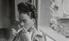 1938 Frida in New York, photography by Julien Levy