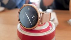 The original Moto 360 was the most hyped smartwatch of not to mention the poster child for Android Wear. Smart Watch Review, Mobile Watch, Best Smart Watches, Android Wear, Running Watch, Vr Headset, Wearable Technology, Fitness Tracker, Watches For Men