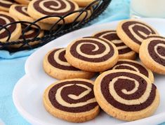 Swirl Cookies-This vanilla and chocolate swirl cookie recipe is light and delicious. Also named as pinwheel cookies, these swirl cookies look so fancy with the spiral but at the same time they are so easy to make! Chocolate Swirl, Chocolate Cookies, Chocolate Pinwheel Cookies Recipe, Vanilla Cookies, Sugar Cookies, Baking Cookies, Biscuit Cookies, Shortbread Recipes, Cookie Recipes