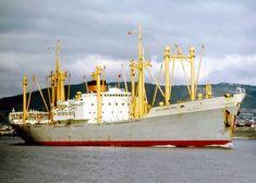 Tug Boats, Rotterdam, Sailing Ships, Transportation, Van, Ships, Nostalgia, Vans, Sailboat