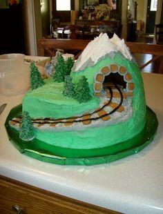 The Scarlett Rose Garden: All Aboard the Party Train! Thomas Train Birthday Cake, Thomas Birthday Parties, 2 Birthday Cake, Trains Birthday Party, Train Party, Boy Birthday, Polar Express Birthday Cake, Birthday Ideas, Mini Mouse Cupcakes