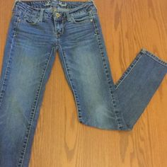"""American Eagle skinny jeans American Eagle skinny jeans in size 00.  Used but in good shape.  No defects or problems with them!  Inseam is 30"""" American Eagle Outfitters Jeans Skinny"""