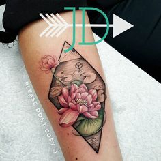 Tawny, you are a lovely creature, thank you! This was such a fun piece! #tattoo #waterlily #floraltattoo #flowertattoo #geometrictattoo #illustrativetattoo