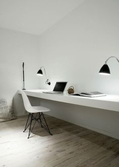Super minimal space - no distractions. Home office inspiration from Norm Architects. Home Office Minimalist Interior, Minimalist Bedroom, Minimalist Home, Minimalist Apartment, Minimalist Design, Home Office Inspiration, Workspace Inspiration, Office Ideas, Office Decor