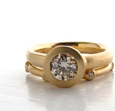 18kt Illumination Ring engagement solitaire with Scattered 6 Stone wedding band