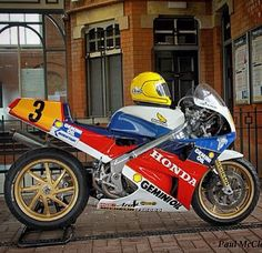 Joey Dunlop RC30