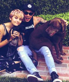 Paris Jackson with her boyfriend and her two pet dogs.