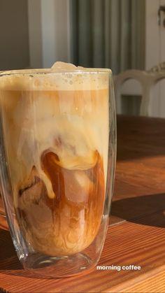 Aesthetic Coffee, Aesthetic Food, Food N, Food And Drink, Yummy Food, Tasty, But First Coffee, Food Cravings, Morning Coffee