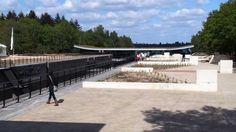In het hart van Nationaal Park De Maasduinen kunt u genieten van het net geopende Bezoekerscentrum De Maasduinen. Dit centrum is een ideaal start- en eindpunt voor diverse buitenactiviteiten. Lekker wandelen rondom het Reindersmeer of met de kinderen ravotten in het speelbos het kan hier allemaal.