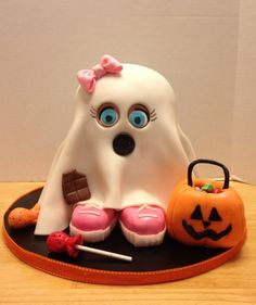 Adorable Ghost Cake so sweet! with eyelashes too ;-)