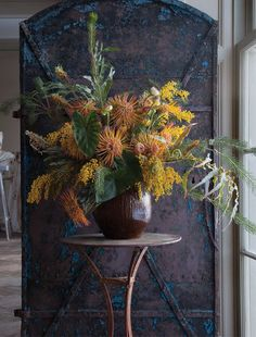 the style saloniste: Sublime Flowers: Glorious floral creations by New York's highly talented Lewis Miller of Lewis Miller Design are presented in an inspiring new book, 'Styling Nature', published this spring by Rizzoli. I love his floral style—abundant, seasonal, and a little bit wild.