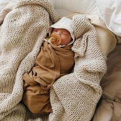Cute Kids, Cute Babies, Baby Kids, Baby Boy, Cute Baby Pictures, Baby Photos, My Little Baby, Little Ones, Baby Mabel