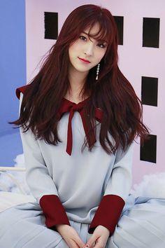 Korean Women, South Korean Girls, Korean Girl Groups, Medium Long Hair, Medium Hair Styles, Fandom, Cosmic Girls, Games For Girls, Aesthetic Photo