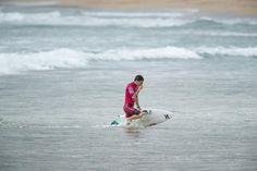 SURFISTA PERUANO ALONSO CORREA SE JUEGA PUNTOS DE ORO EN PORTUGAL