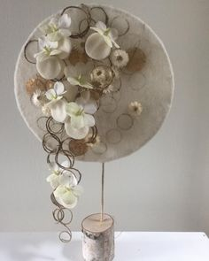 Contemporary Flower Arrangements, Creative Flower Arrangements, Orchid Arrangements, Flower Centerpieces, Arte Floral, Deco Floral, Floral Design, Flower Branch, Flower Frame