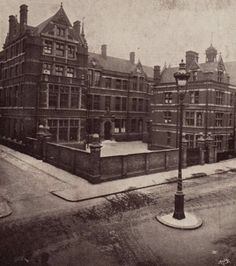 My old school - Central Foundation Grammar School for Girls, Spital Square, London EC1