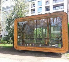 SOY BIBLIOTECARIO: Una biblioteca en medio del parque...